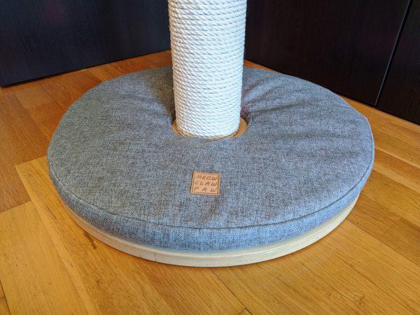 Когтеточка столбик с подсветкой и подушкой